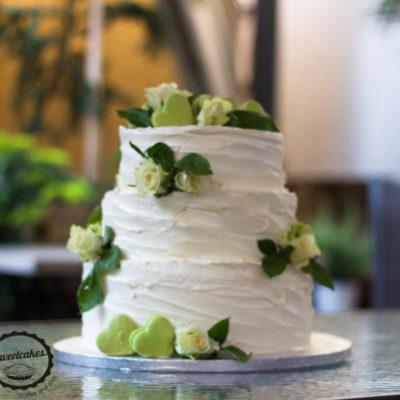 Svatebni dort bílo-zelený