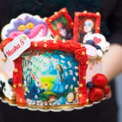 Dětský dort na narozeniny «Alice»
