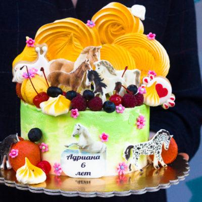 Dětský dort na narozeniny «Koni»