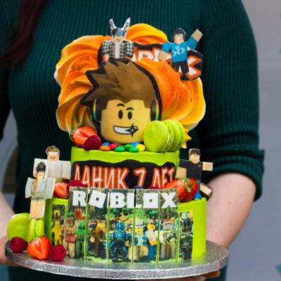 Dětský narozeninový dort Roblox 2