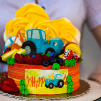 Dětský dort na objednávku Modrý traktor