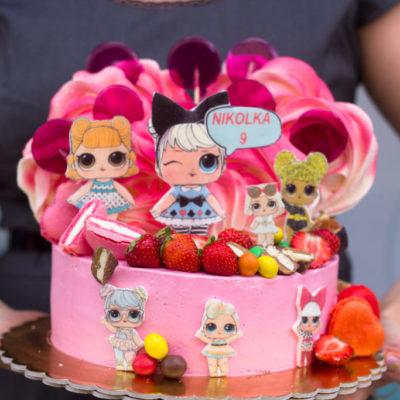 Dětský narozeninový dort  LOL 16 (2 kg 1450 kč)