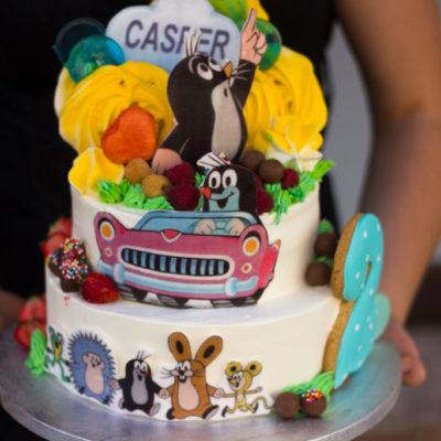 Dvoupatrový dětský dort na narozeniny Krteček 2