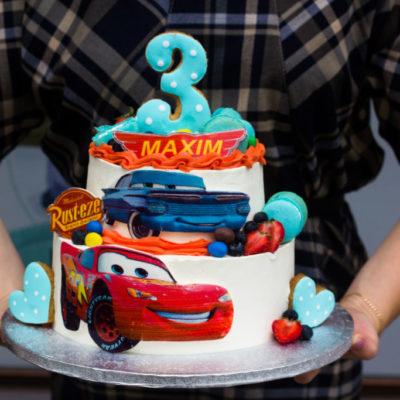 Dětský dort na objednávku Auta