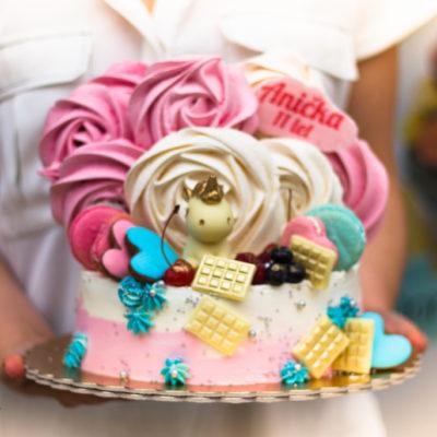 Dětský narozeninový dort čokoládový jednorožec