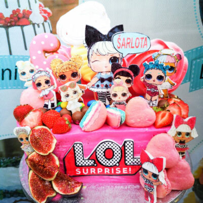 Dětský narozeninový dort LOL 26 (2,5 kg 1700 kč)