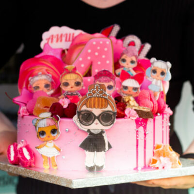 Dětský narozeninový dort LOL 28 (3 kg, 1950 kč)