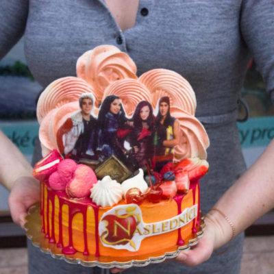 Narozeninový dort pro slečnu Následníci
