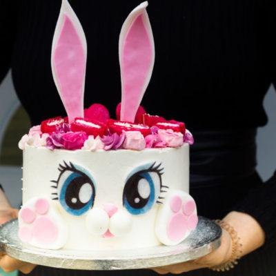 Dětský narozeninový dort  Zajíček 5 (2 kg 1450 kč)