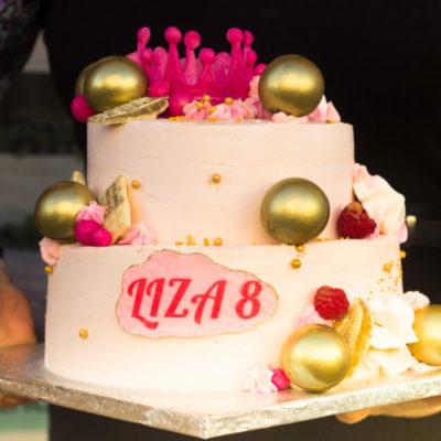 Narozeninový dort pro slečnu Koróna