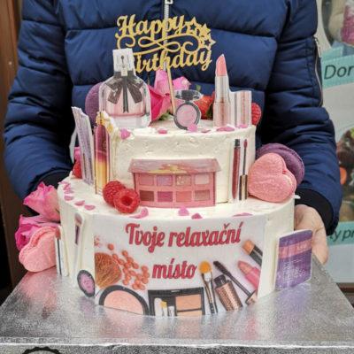 Narozeninový dort pro slečnu Kosmetika (4 kg, 2500 kč)