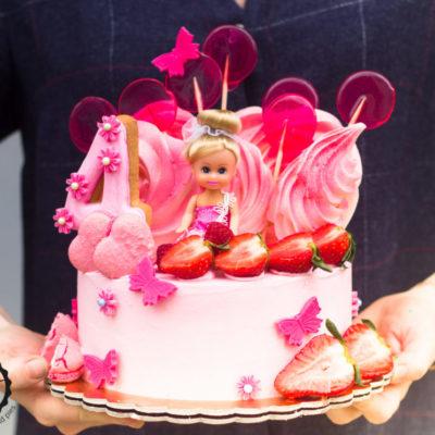 Dětský dort na objednávku Panenka (1,5 kg, 1200 kč)