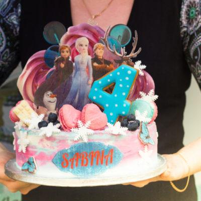 Dětský dort na narozeniny Frozen 16 (3 kg, 1950 kč)