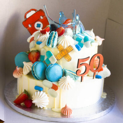 Narozeninový dort MUDr. (4 kg, 2500 kč)