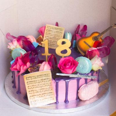 Narozeninový dort pro slečnu Hudba (3 kg, 1950 kč)