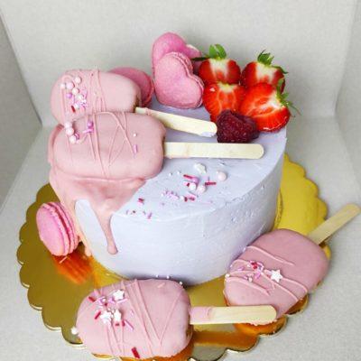 Dětský dort pro slečnu Nanuki (1,5 kg, 1200 kč)